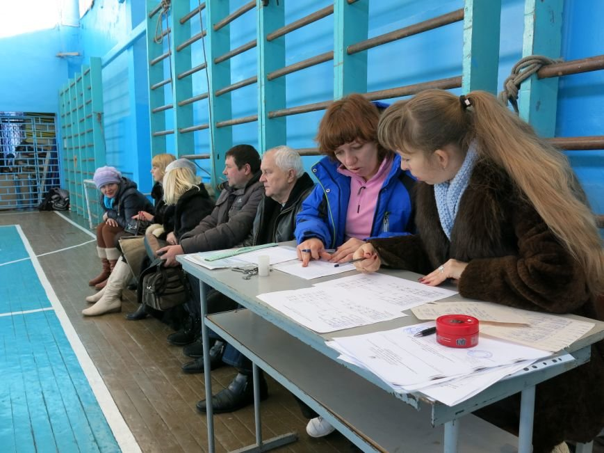 В Димитрове прошло первенство отдела образования по настольному теннису, фото-1