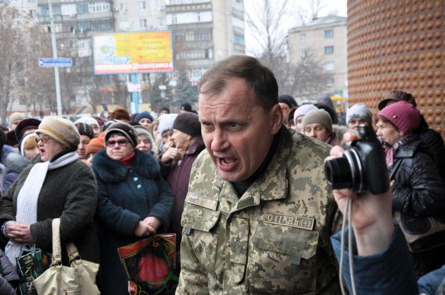 Краматорчане собирались на митинг под военкоматом (ФОТО и ВИДЕО), фото-11