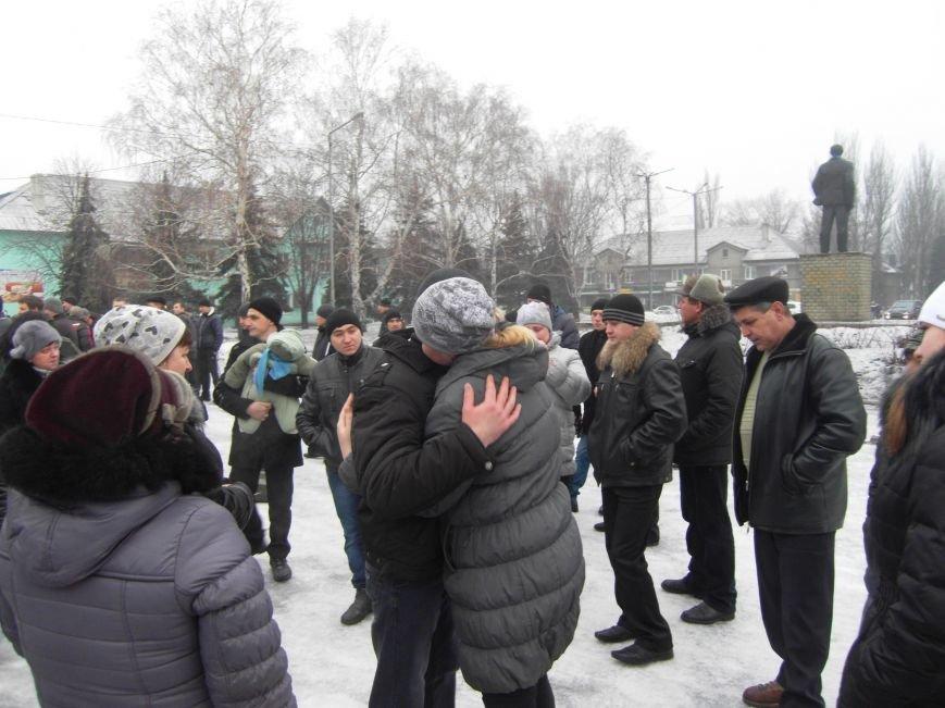 Первые 19 военнообязанных Доброполья отправлены в учебную воинскую часть (фото) - фото 2