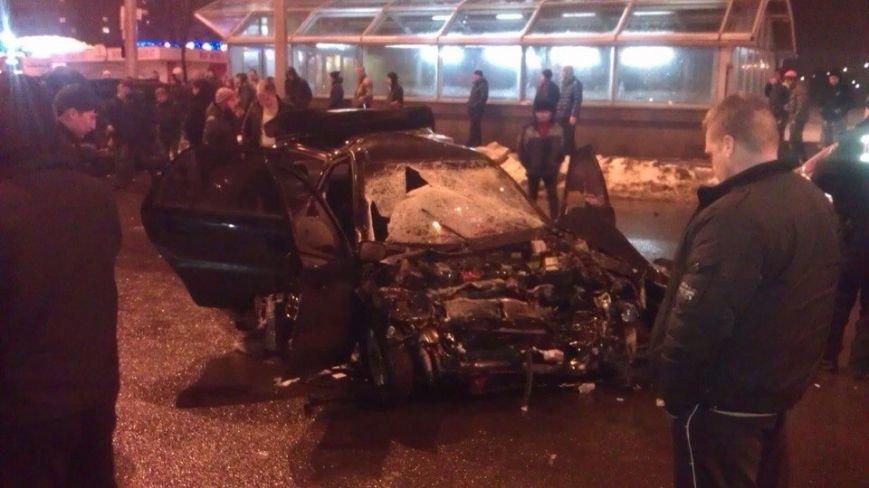 На Алексеевке произошло кровавое ДТП: пострадали 7 автомобилей (ФОТО) (фото) - фото 1