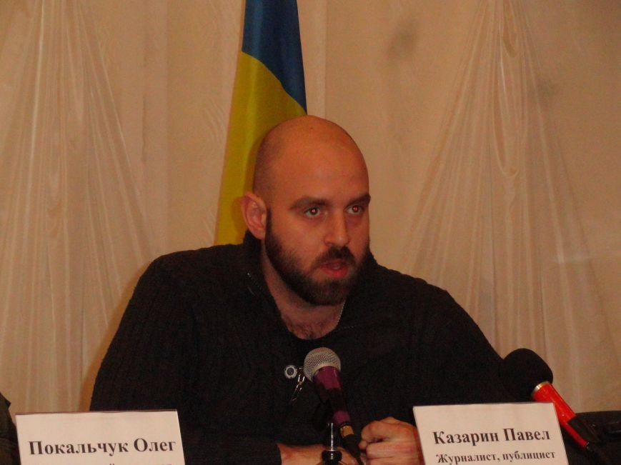 Журналисты и психологи из Киева удивились, что некоторые мариупольцы верят в снаряды, прилетевшие в «Восточный» с запада (ФОТОРЕПОРТАЖ) (фото) - фото 1