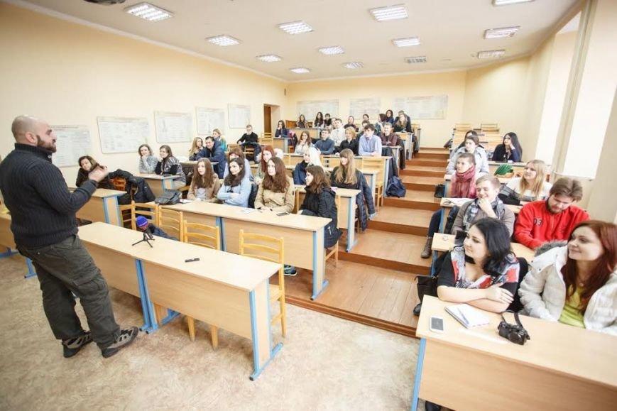 Мариупольских студентов-журналистов учили противостоять слухам (ФОТО) (фото) - фото 4
