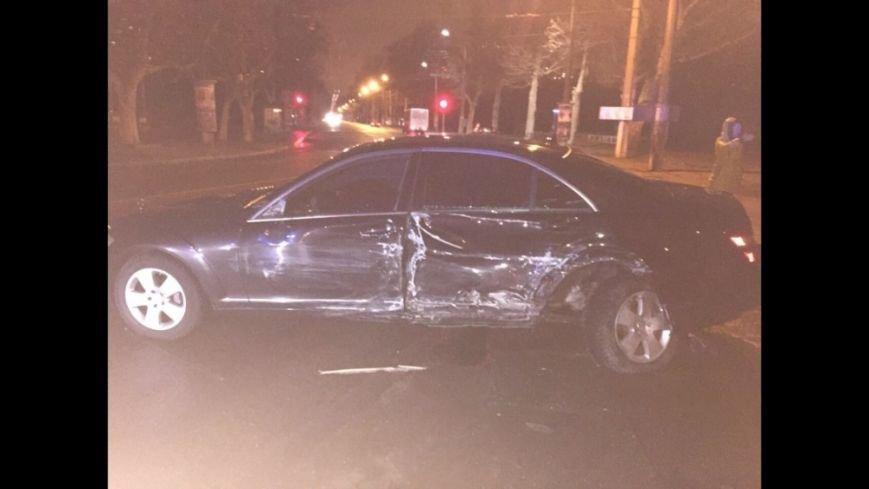 В Сети появилось фото разбитого авто мэра Одессы (ФОТО) (фото) - фото 1