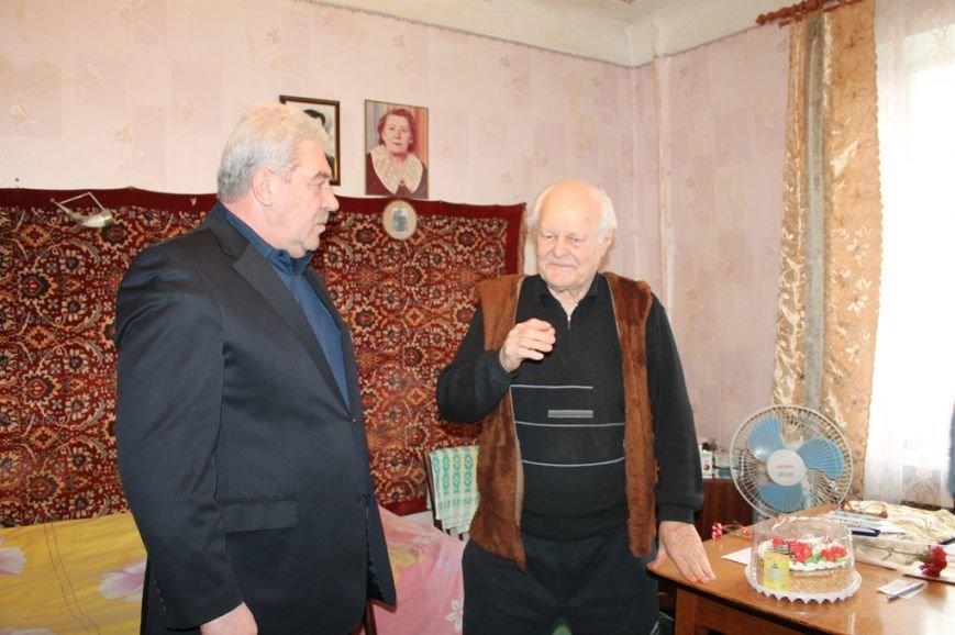 Ветераны-участники Сталинградской битвы получили подарки и материальную помощь, фото-2