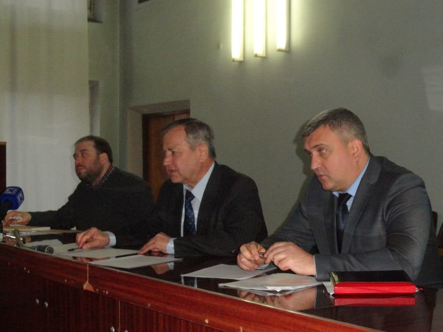В Мариуполе создан координационный штаб по ликвидации последствий теракта (ФОТОРЕПОРТАЖ) (фото) - фото 1