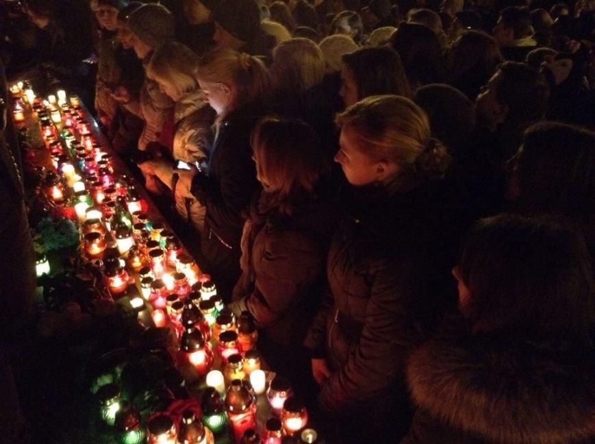 Львів'яни заспівали відомі хіти Скрябіна і запалили свічку пам'яті (ФОТО+ВІДЕО), фото-5