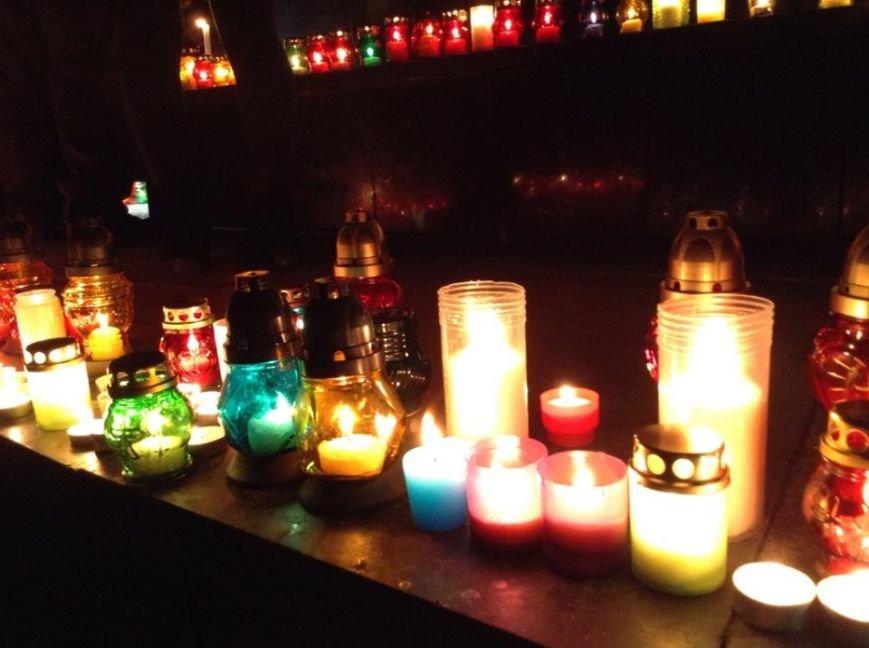 Львів'яни заспівали відомі хіти Скрябіна і запалили свічку пам'яті (ФОТО+ВІДЕО), фото-8