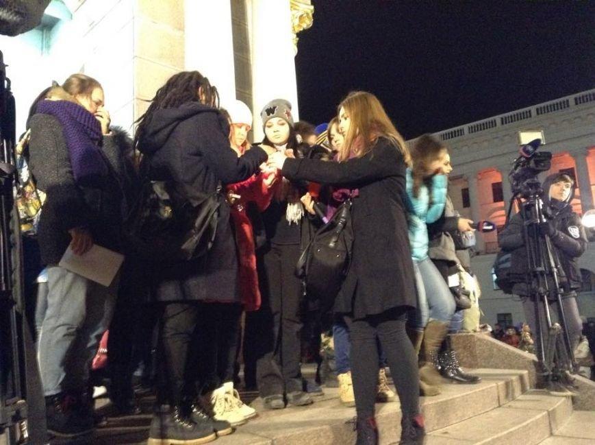 На Майдане киевляне почтили память трагически погибшего Кузьмы Скрябина (ФОТО) (фото) - фото 1