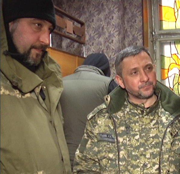 «Счастливый билет»: как жители Донбасса получают пропуски для выезда из зоны АТО (фото) - фото 8