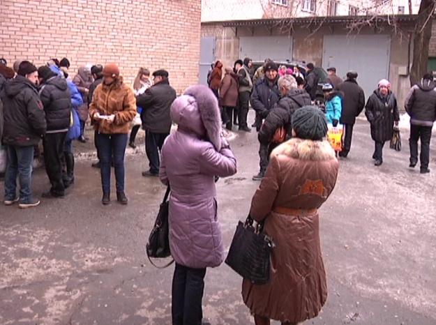 «Счастливый билет»: как жители Донбасса получают пропуски для выезда из зоны АТО (фото) - фото 3