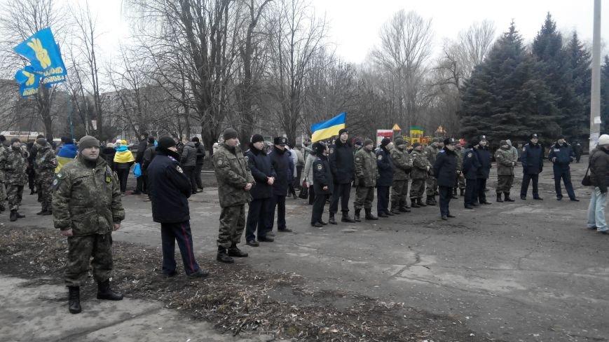 В Краматорске начался митинг против мобилизации: ФОТОРЕПОРТАЖ (ОБНОВЛЯЕТСЯ!) (фото) - фото 11
