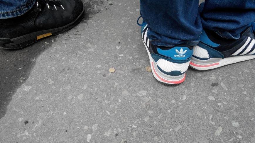 В Краматорске начался митинг против мобилизации: ФОТОРЕПОРТАЖ (ОБНОВЛЯЕТСЯ!) (фото) - фото 20