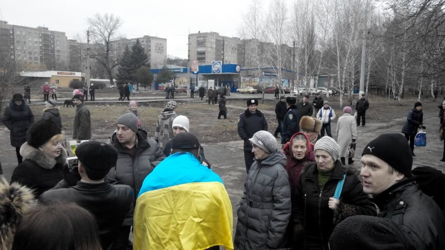 В Краматорске начался митинг против мобилизации: ФОТОРЕПОРТАЖ (ОБНОВЛЯЕТСЯ!) (фото) - фото 9