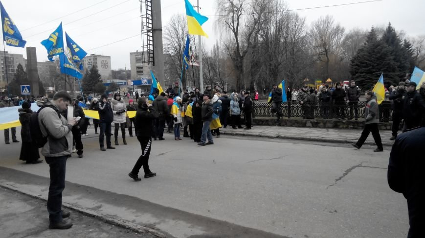 В Краматорске начался митинг против мобилизации: ФОТОРЕПОРТАЖ (ОБНОВЛЯЕТСЯ!) (фото) - фото 22