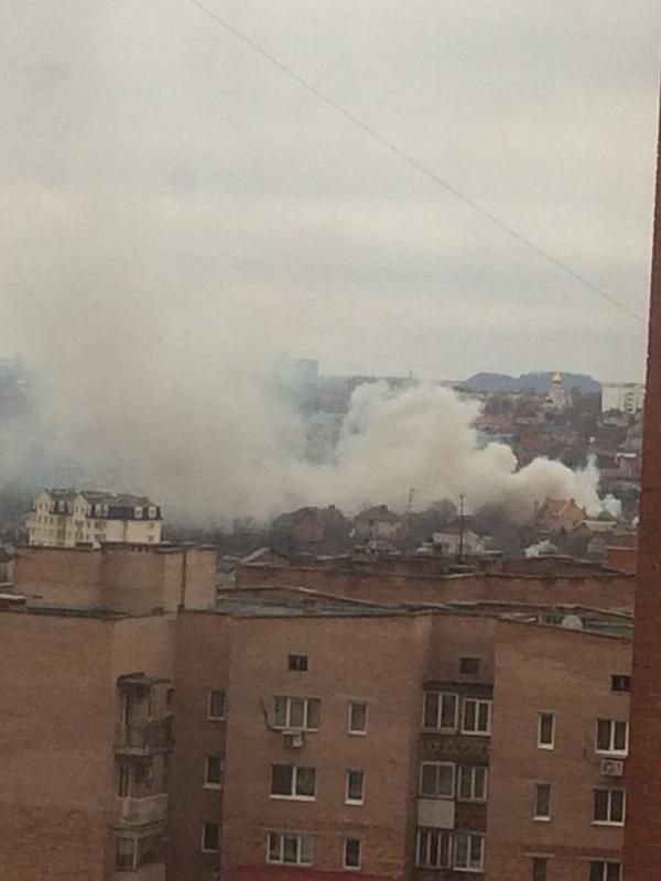В Донецке полыхает огромный пожар в районе площади Бакинских комиссаров (ФОТО) (фото) - фото 1