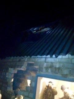 Боевики из Донецка обстреливали блокпост в Марьинке: части снарядов долетели до Курахово (фото) - фото 2