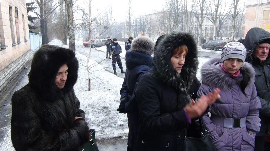 В Доброполье милиционеры обеспечили охрану мобилизованных воинов в вооруженные силы Украины (фото) - фото 3