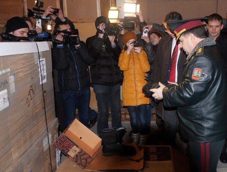 В Одессе Министр обороны проинспектировал получение «гуманитрки» из Канады (фото) - фото 4