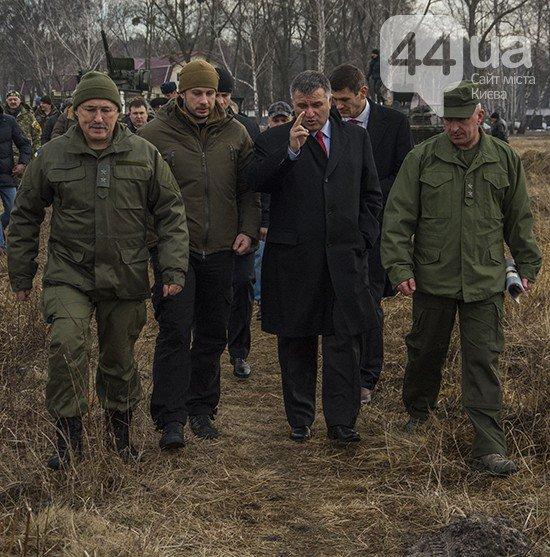Под Киевом прошли испытания новых оборонительных сооружений (фото) (фото) - фото 3