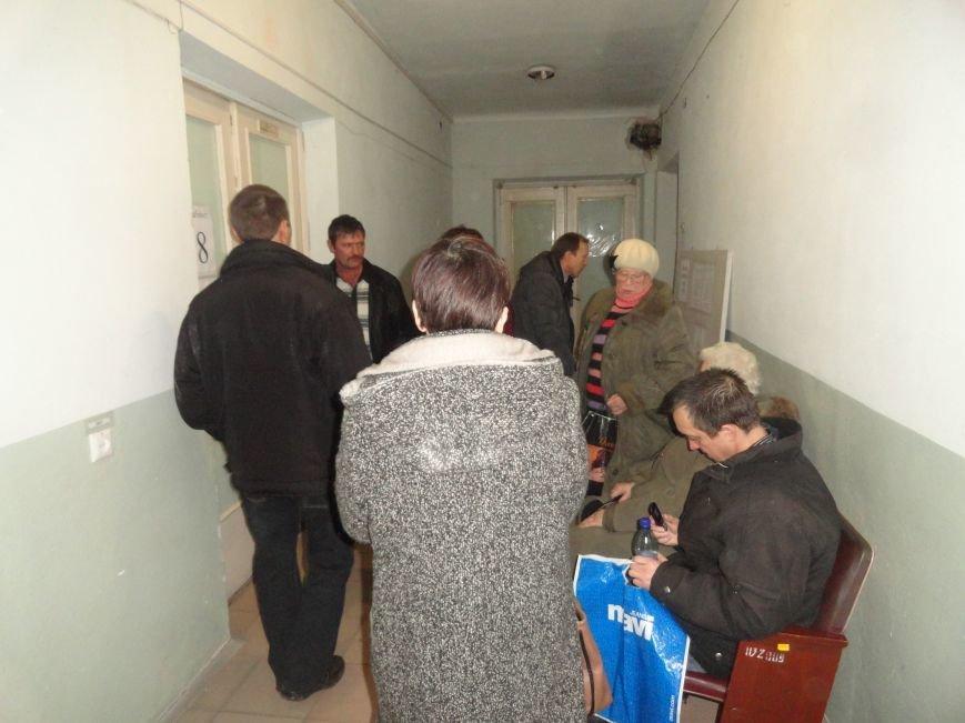 Мариупольцы рассказали, как им  достаются пропуска  за линию АТО (ФОТО) (фото) - фото 1