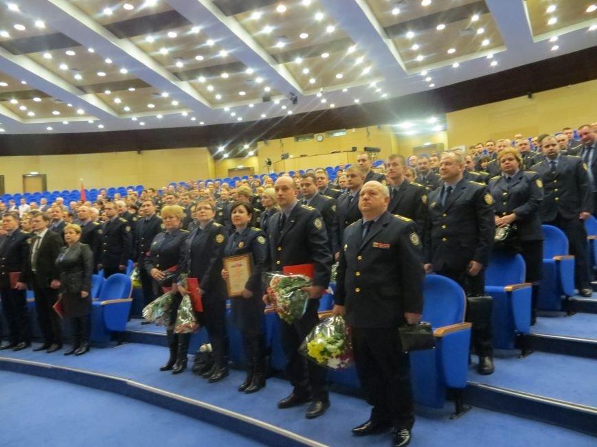 Почти 100 благодарственных писем от жителей получили инспекторы Госадмтехнадзора Домодедово за 2014 год (фото) - фото 1