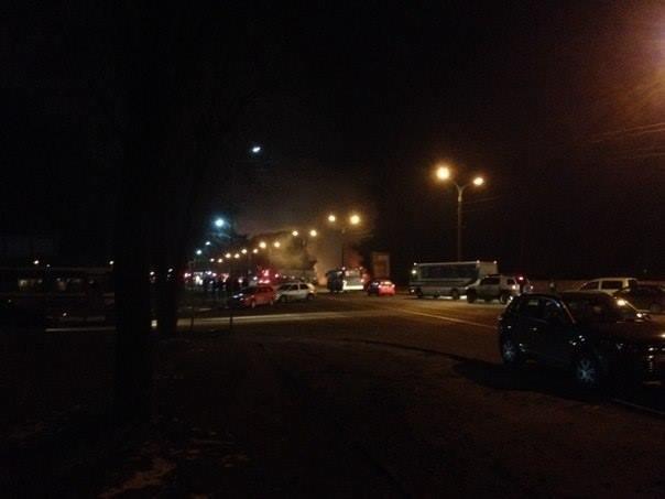 Пожежа поблизу заправки утворила на виїзді зі Львова тягучку (ФОТО), фото-1