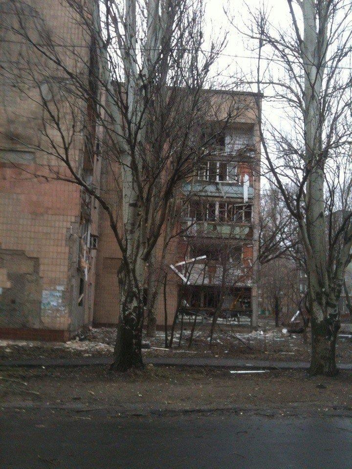 В Донецке обстреляли микрорайон Текстильщик. есть пострадавшие (добавлено фото) (фото) - фото 4