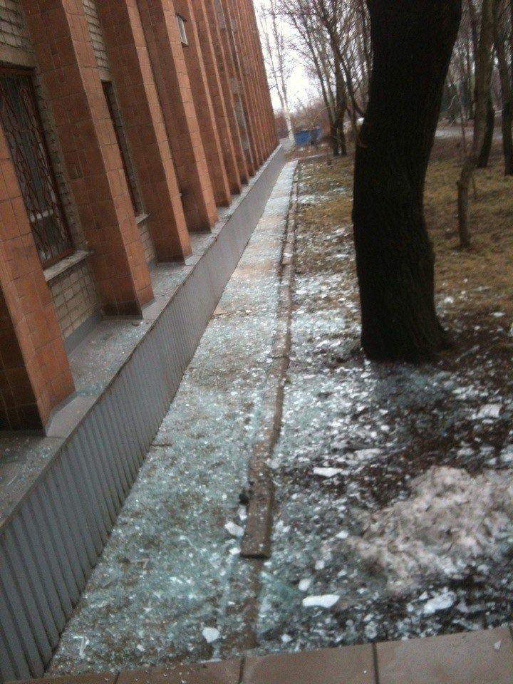 В Донецке обстреляли микрорайон Текстильщик. есть пострадавшие (добавлено фото) (фото) - фото 3