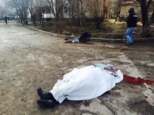 В Донецке Текстильщик попал под мощный артобстрел - снаряды попали в больницу и детсад, погибли 4 человека (ФОТО, ВИДЕО), фото-2