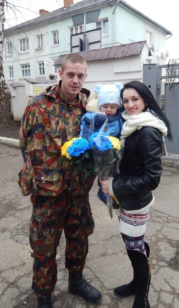 В АТО вирушили 15 даівців зі Львова (ФОТОРЕПОРТАЖ) (фото) - фото 1
