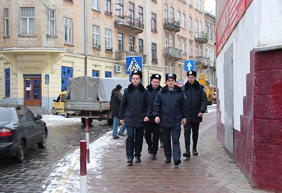 До патрулювання вулиць Львова долучились курсанти університету МВС (ФОТО), фото-1