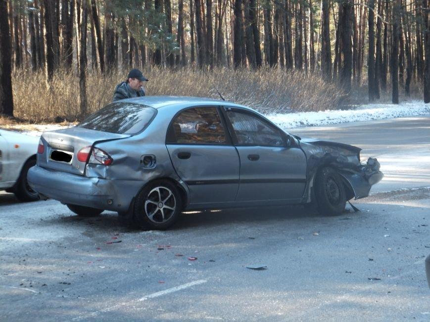 В Кировограде произошло масштабное ДТП с участием трех автомобилей и электроопоры. Фото (фото) - фото 1