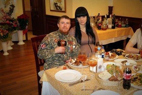 Как Моторола с женой и чебурашкой развлекался в донецком ресторане (ФОТО), фото-1
