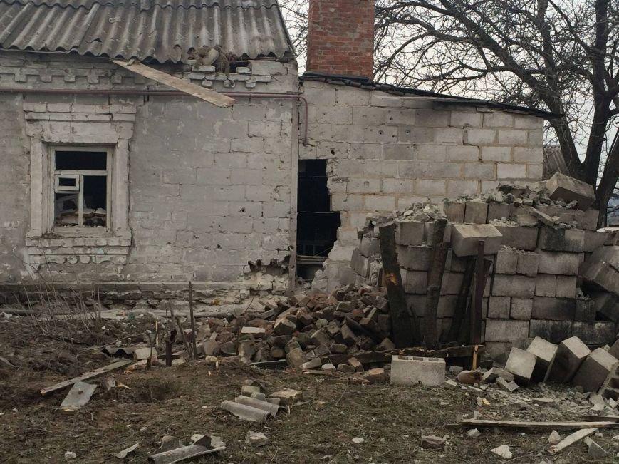 В Мариуполе террористы обстреляли поселок Сартана. 18 попаданий в дома (ДОПОЛНЕНО+ФОТО, ВИДЕО), фото-1