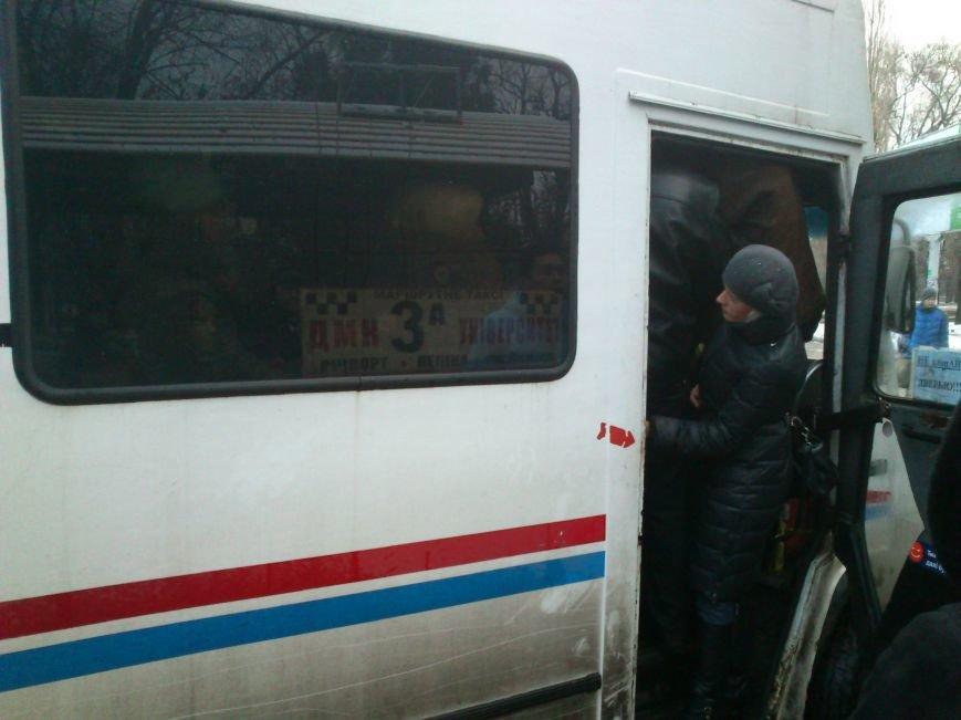 Днепродзержинские перевозчики не справляются с потоком людей, фото-3