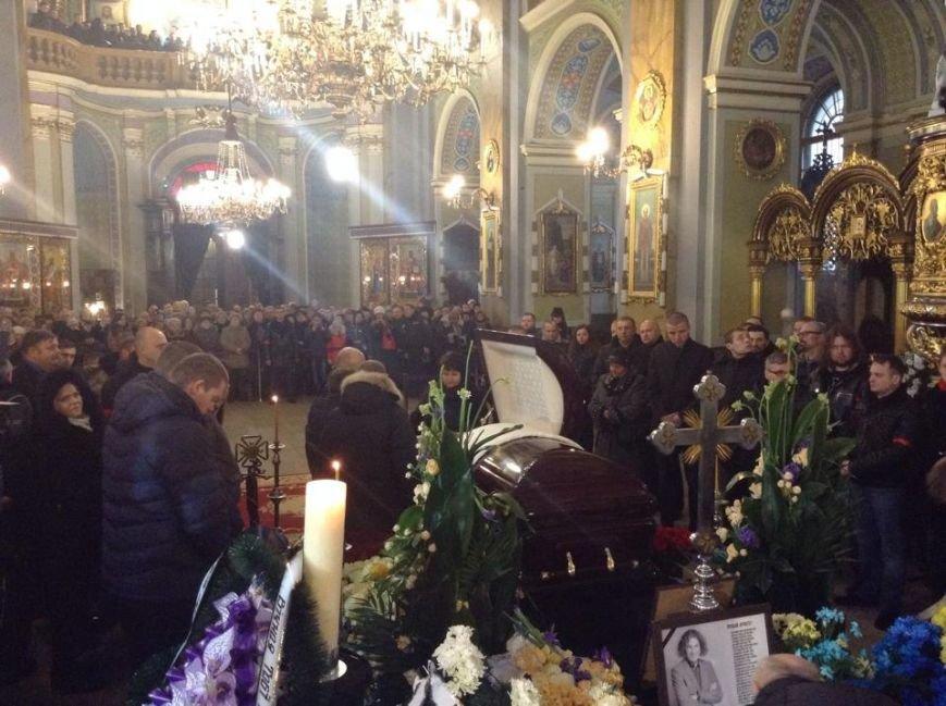 У Львові попрощатися з Кузьмою прийшло більше тисячі людей (ФОТО), фото-7