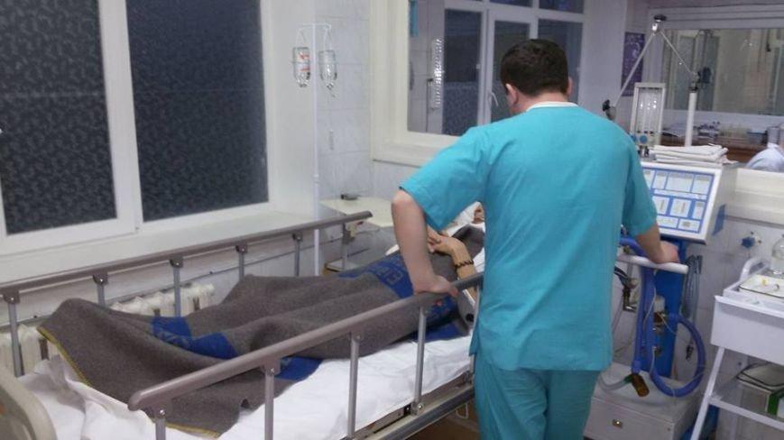 В одесской больнице из бойца вытащили огромный осколок снаряда (ФОТО) (фото) - фото 2