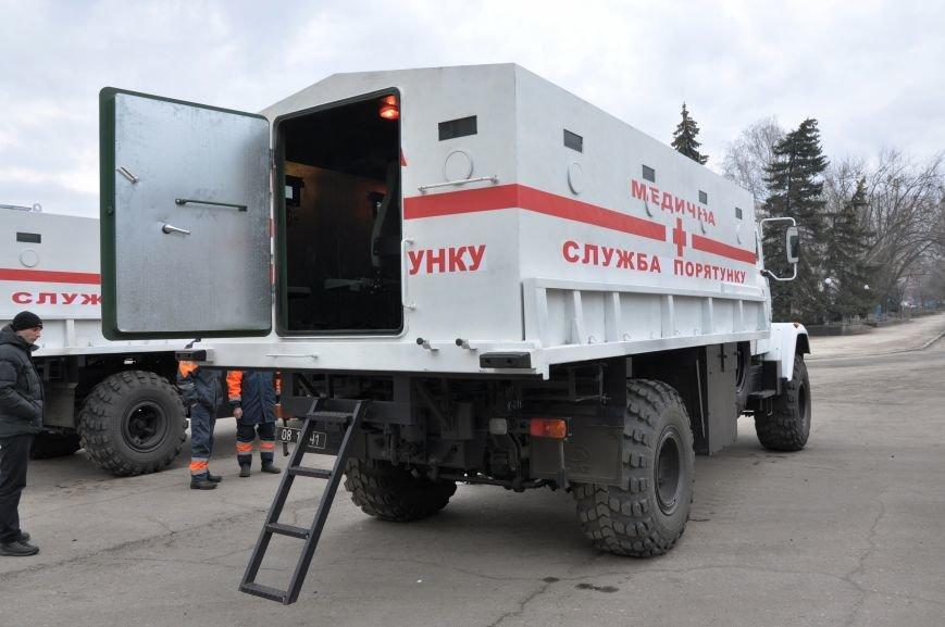 В Краматорск прибыли бронированные автомобили для вывоза людей из горячих точек Донбасса, фото-2