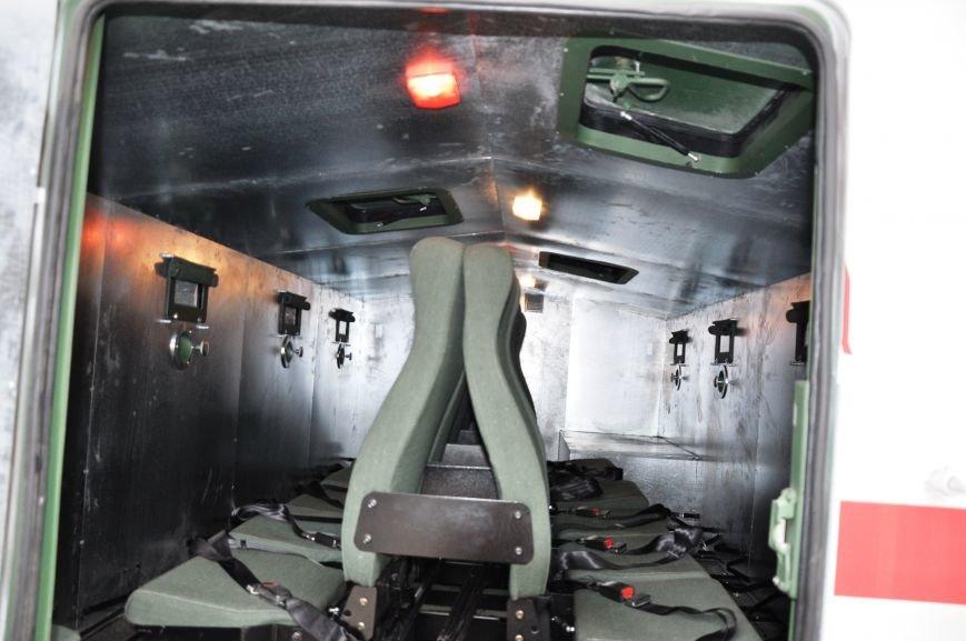 В Краматорск прибыли бронированные автомобили для вывоза людей из горячих точек Донбасса, фото-6