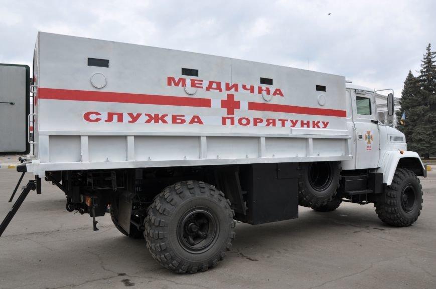 В Краматорск прибыли бронированные автомобили для вывоза людей из горячих точек Донбасса, фото-1
