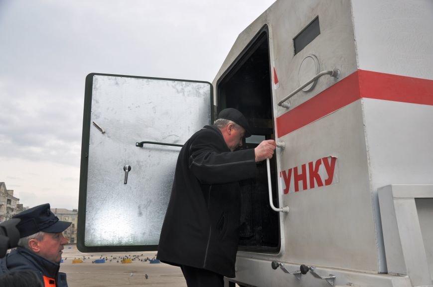 В Краматорск прибыли бронированные автомобили для вывоза людей из горячих точек Донбасса, фото-3