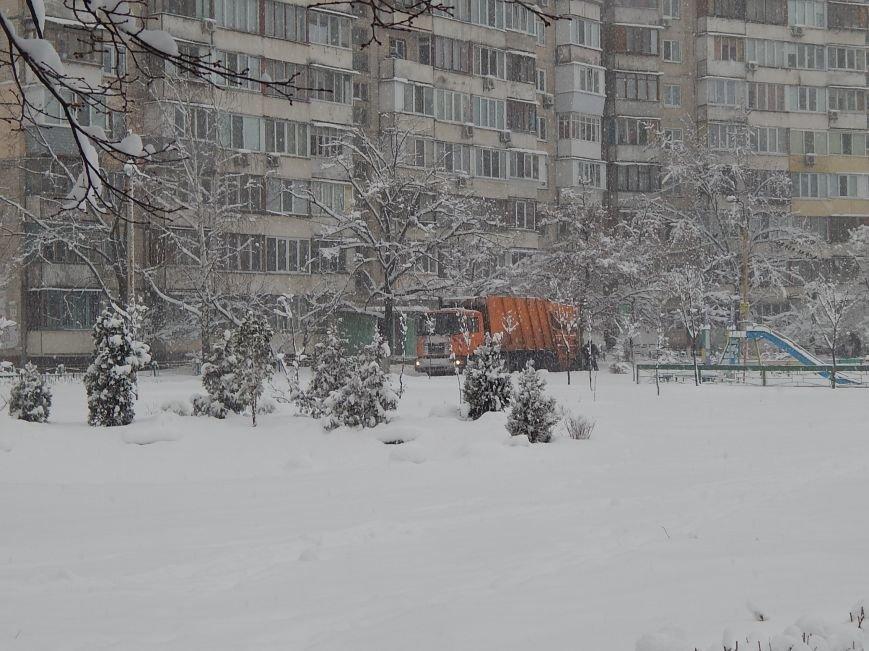 Снежный коллапс в столице (ФОТОРЕПОРТАЖ) (фото) - фото 5