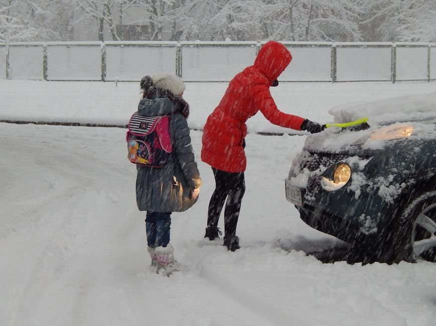 Снежный коллапс в столице (ФОТОРЕПОРТАЖ) (фото) - фото 2