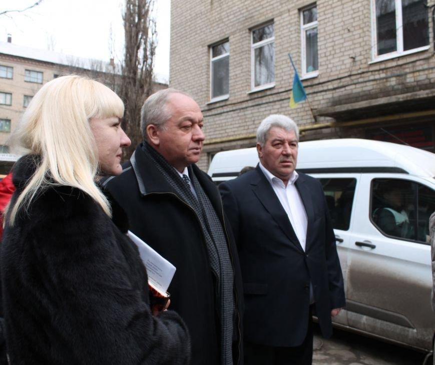 Губернатор Донецкой области посетил Центральную районную больницу Артемовска, фото-1