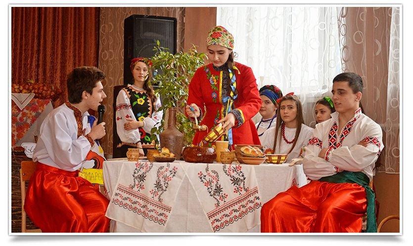 Ярмарка украинской кухни прошла в одной из школ Славянска(фоторепортаж) (фото) - фото 7