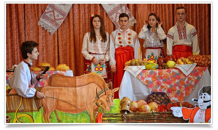 Ярмарка украинской кухни прошла в одной из школ Славянска(фоторепортаж) (фото) - фото 4
