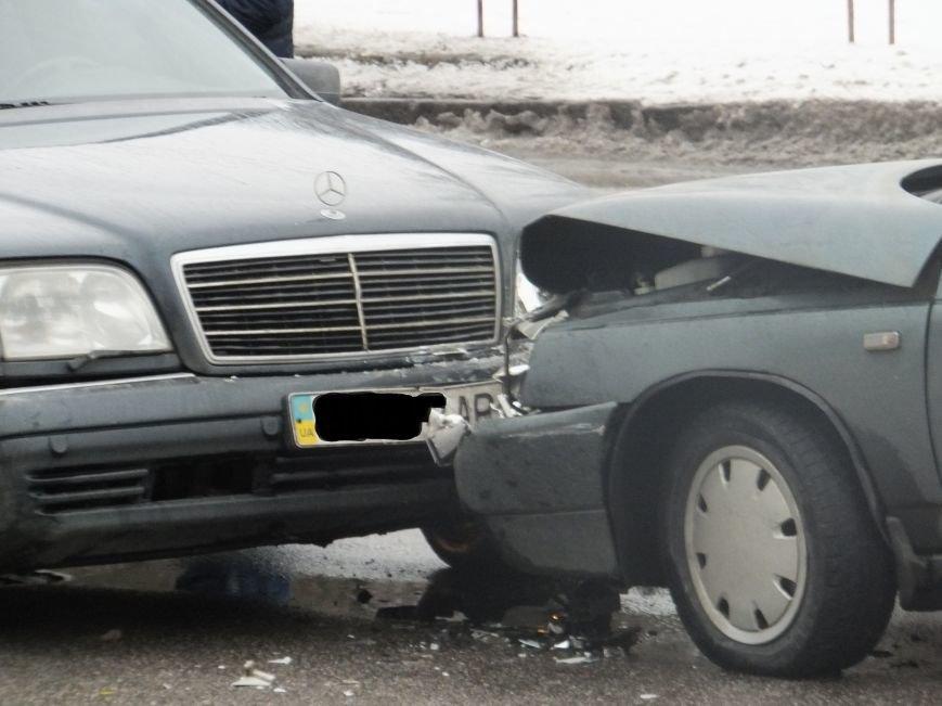 В Кировограде лоб в лоб столкнулись два автомобиля. ФОТО (фото) - фото 1