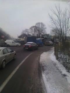 На виїзді зі Львова поламаний тягач паралізував рух транспорту (ФОТО), фото-1