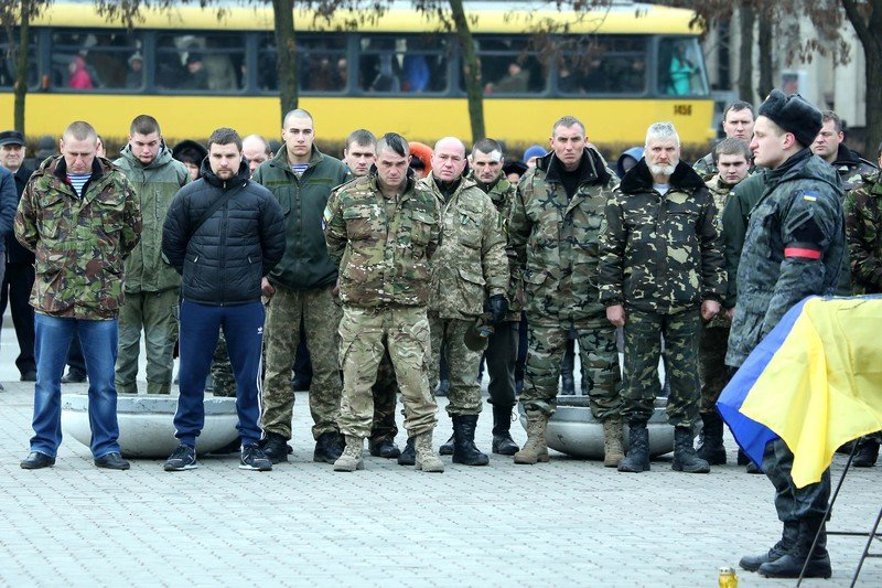 На Днепропетровщине похоронили еще 11 погибших в АТО солдат (фото) - фото 3
