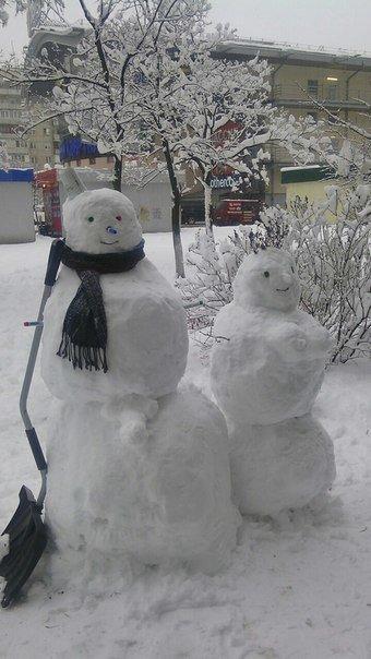 В Киеве поселились снеговики-патриоты (ФОТО) (фото) - фото 5